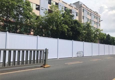 深圳大通建材PVC围挡施工案例