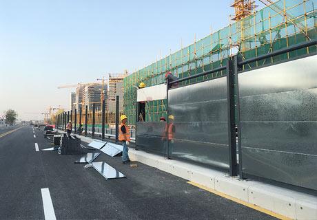 深圳施工围挡-钢结构镀锌板施工围挡安装案例<