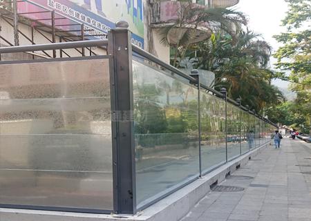 C类镀锌板钢围挡-深圳盐田市政对面项目工程