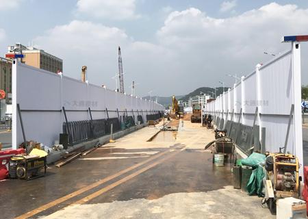 施工PVC围挡-深圳市市政道路改造工程-PVC围挡-深圳市大通建材围挡生产厂家