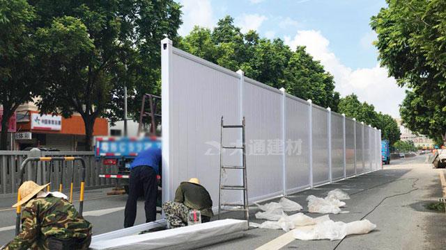 深圳PVC施工隔离栏-深圳盐田沙头角深盐路工程围挡安装
