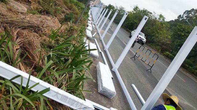 工地PVC围挡白色款-深圳宝安区新安街道施工围挡案例